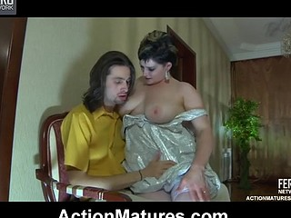 Horny mommy mouth giving a kiss and directing a guy