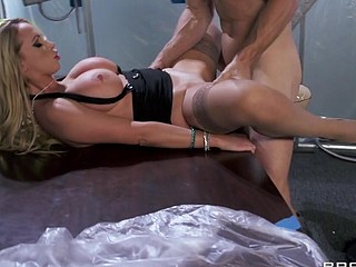 Johnny and his team are working around the clock to finish the expense reports for an important account. That Guy's lastly got it beneath control when his boss Ms. Benz arrives and asks to watch him in the conference room. Nikki's been awaiting a lengthy time to tempt Johnny, and this babe's lastly going to extract what that babe wants from him: that hard jock against her soaked meatballs.